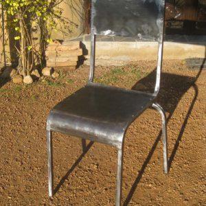Chaise modèle One Shot