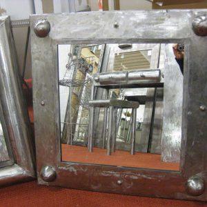 Miroir en acier, modèle CRYSTAL