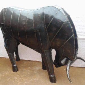 Sculpture en métal TAUREAU