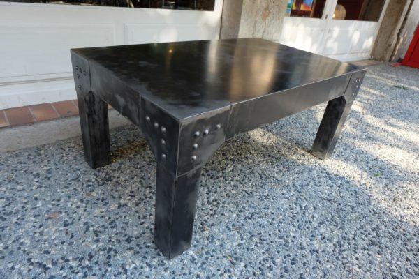 Table basse modèle OTIS