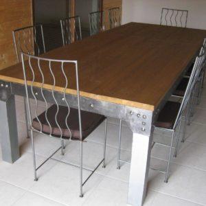 Table de salle à manger en métal et bois modèle 10 MILES