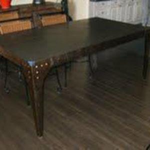 Table de salle à manger modèle FARO