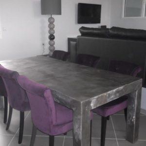 Table de salle à manger en métal modèle INK