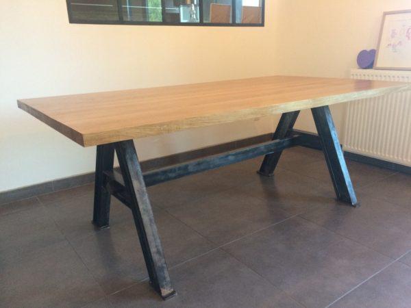 Table de salle à manger en métal et bois modèle MASH
