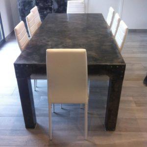 Table de salle à manger modèle ORGANIC