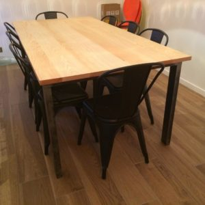 Table de salle à manger modèle STONE
