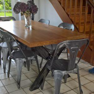 Table de salle à manger en métal et bois modèle TOWN