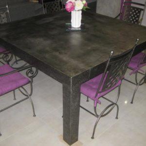 Table de salle à manger en métal modèle TRUE LIES